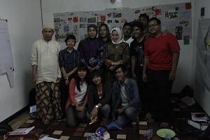Berkumpul bersama peserta